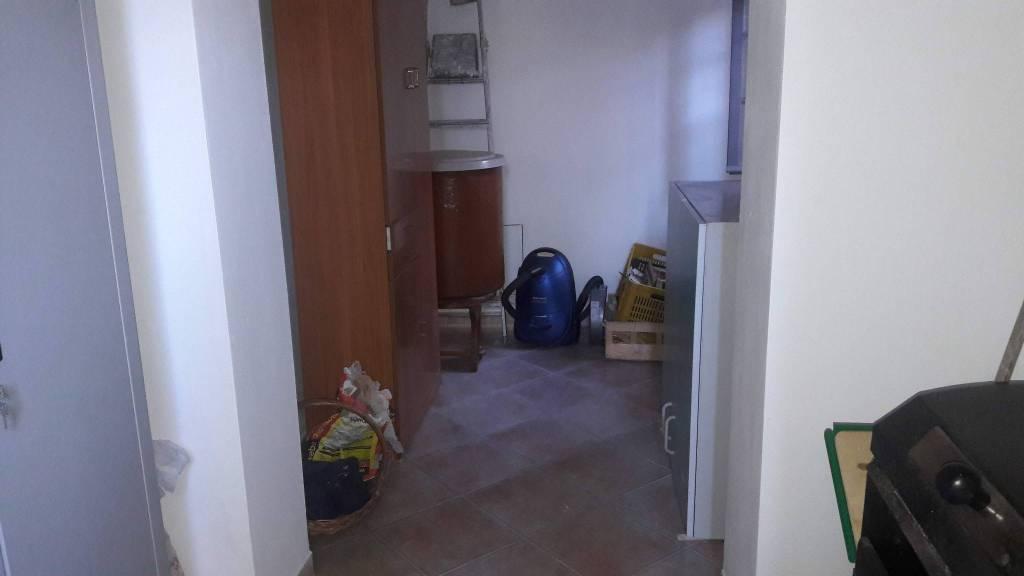 Appartamento in ottime condizioni in vendita Rif. 8173617