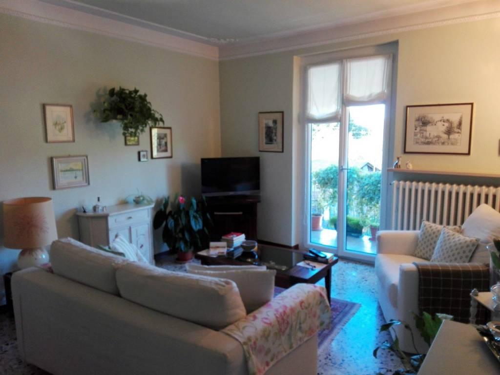 Appartamento in ottime condizioni in vendita Rif. 8230116