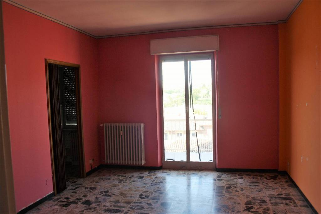 Appartamento in buone condizioni in vendita Rif. 8226774