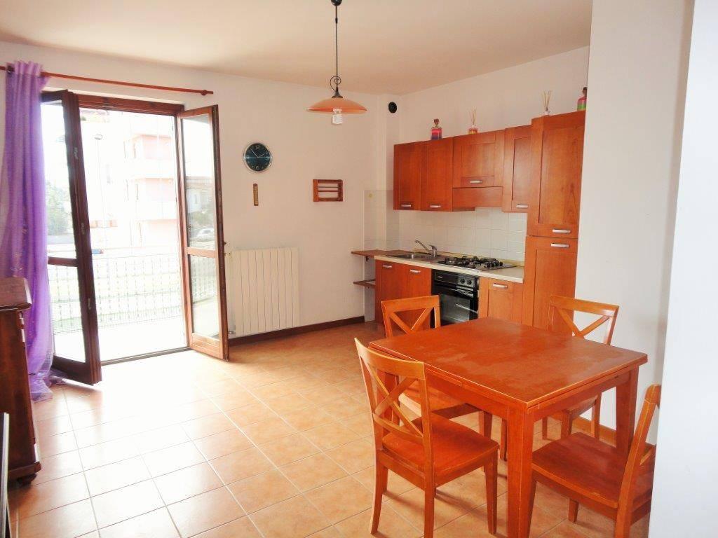 Appartamento in ottime condizioni in vendita Rif. 8227541