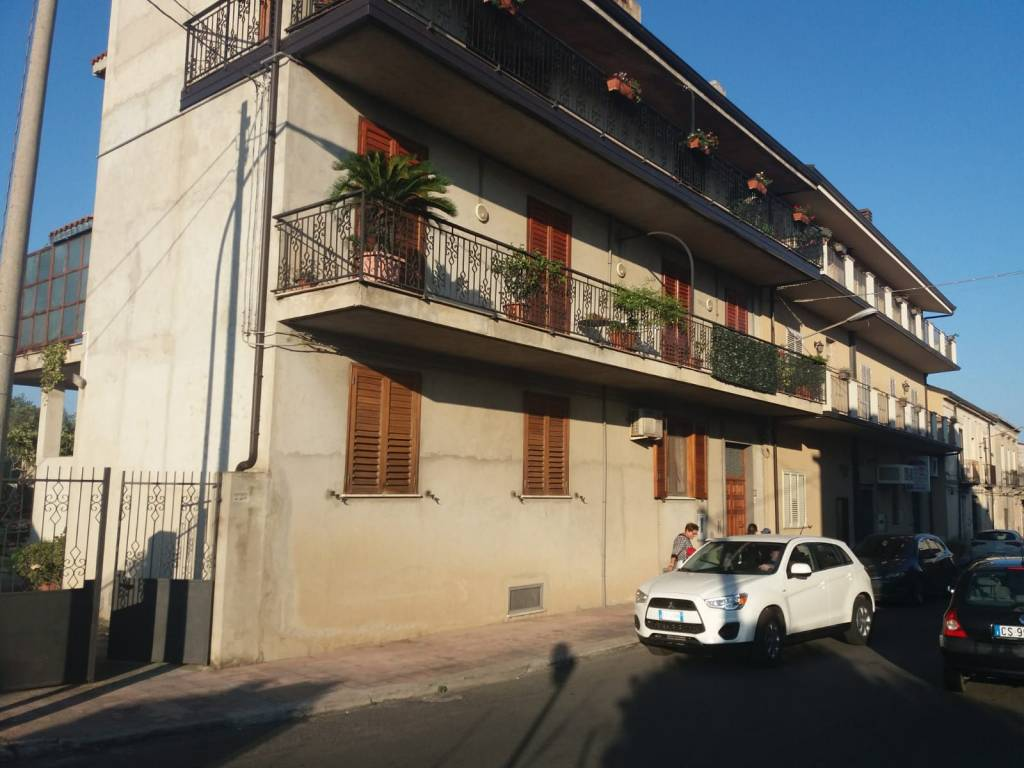 Appartamento in vendita a Siderno, 5 locali, prezzo € 110.000 | CambioCasa.it