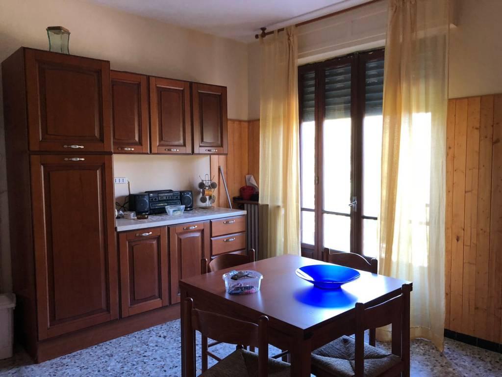 Appartamento in ottime condizioni parzialmente arredato in vendita Rif. 8227445