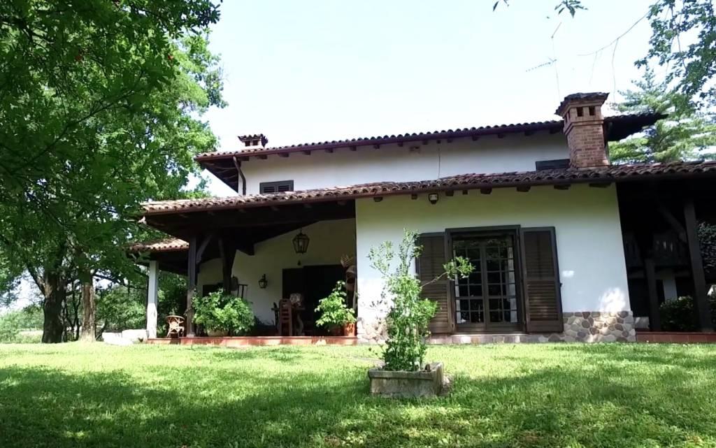 Villa in vendita a Moruzzo, 6 locali, Trattative riservate   CambioCasa.it
