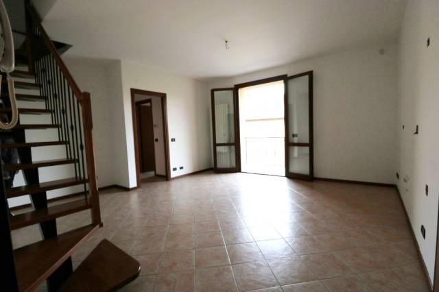 Appartamento in buone condizioni in vendita Rif. 7298882