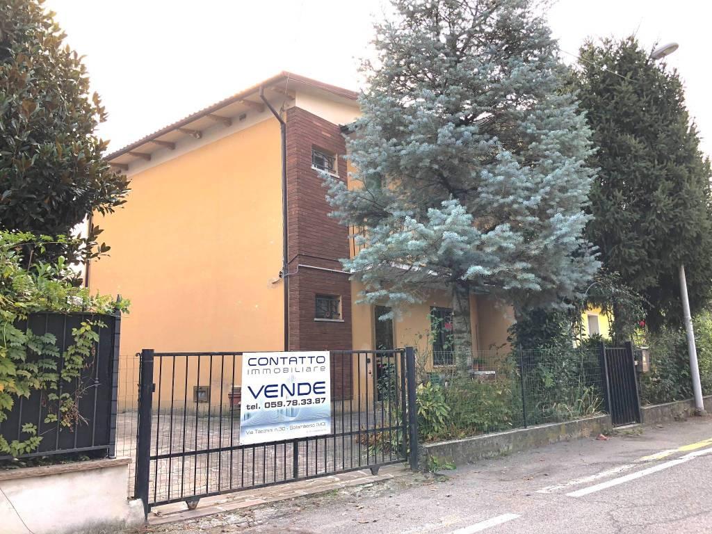 Villetta a schiera da ristrutturare in vendita Rif. 8230136