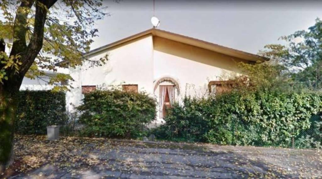 Villa in buone condizioni in vendita Rif. 8226899