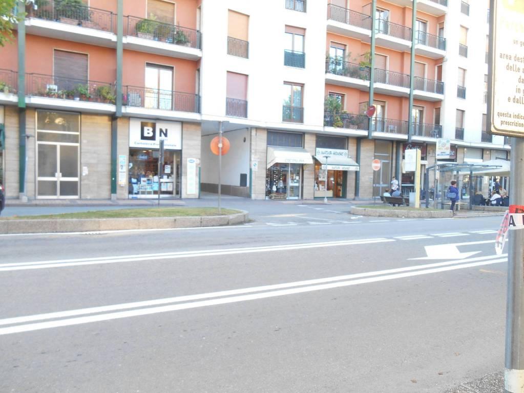 Negozio / Locale in vendita a Alba, 1 locali, prezzo € 210.000 | CambioCasa.it