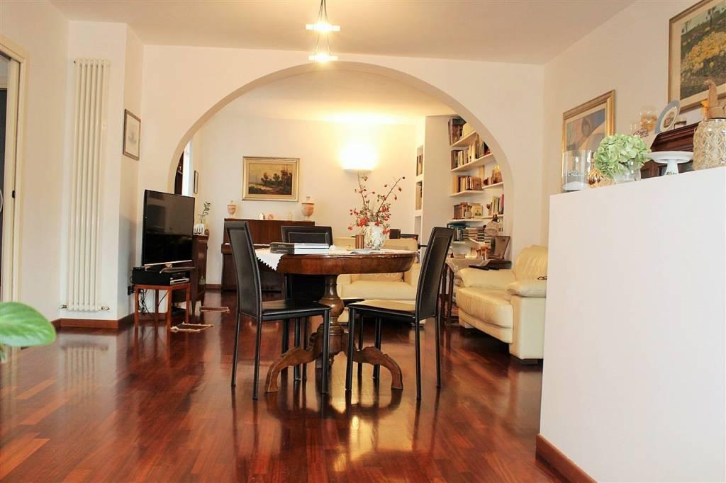 Appartamento in ottime condizioni in vendita Rif. 8232121