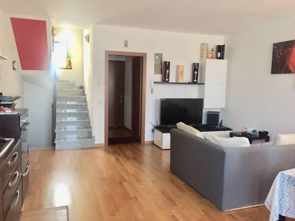Villetta a schiera in ottime condizioni in vendita Rif. 8229651