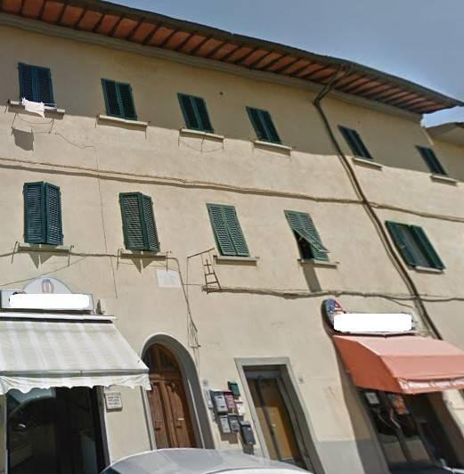 Appartamento in buone condizioni in vendita Rif. 8232086