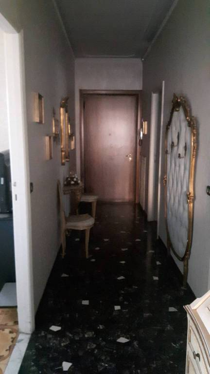 Appartamento in Vendita a Parma Semicentro: 4 locali, 100 mq