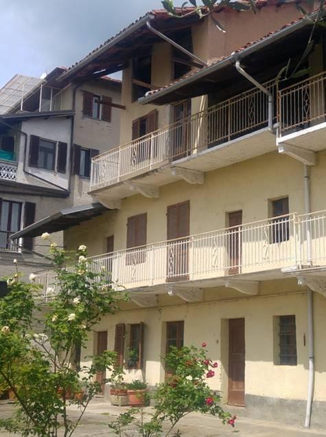 Rustico / Casale in vendita a Candia Canavese, 6 locali, prezzo € 40.000 | CambioCasa.it
