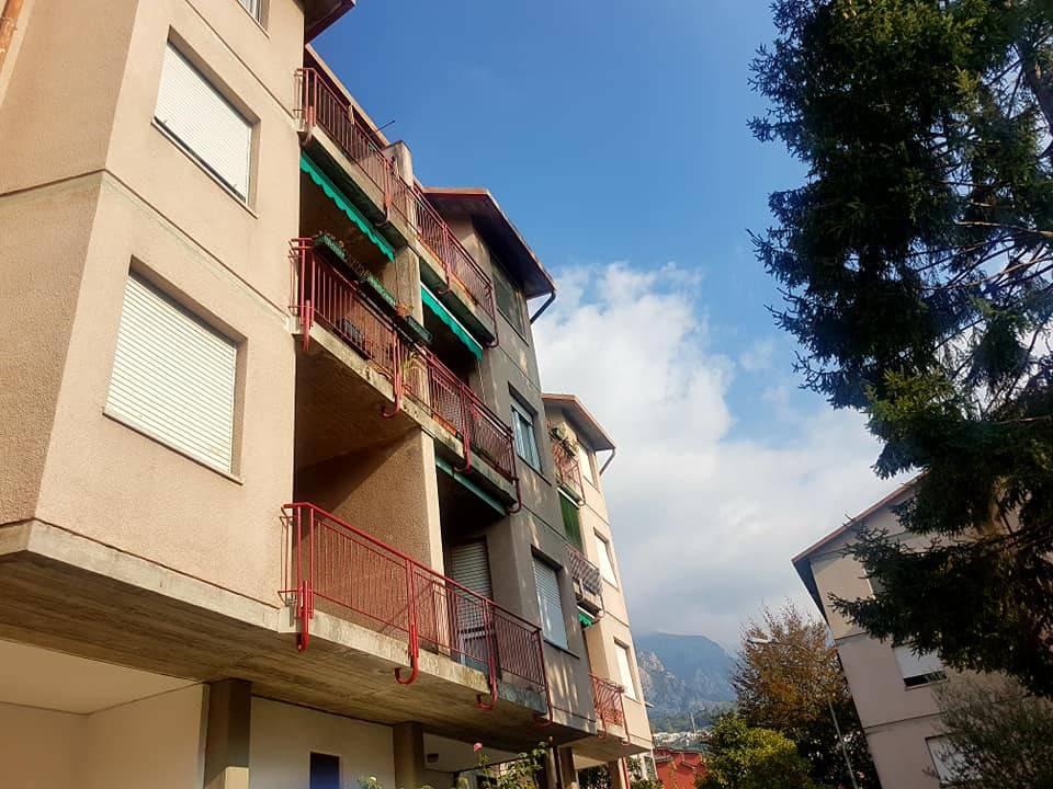 Appartamento in buone condizioni in vendita Rif. 8227507