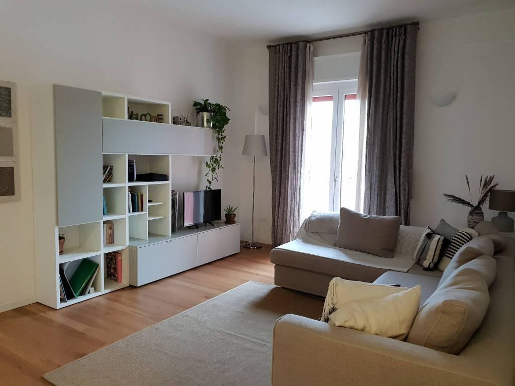 Appartamento in ottime condizioni arredato in vendita Rif. 8229355