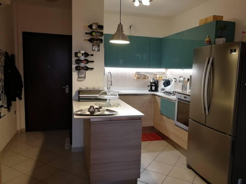 Appartamento in ottime condizioni arredato in affitto Rif. 8230460
