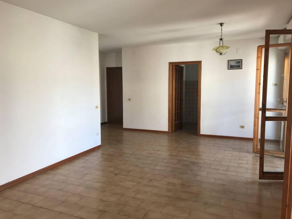 Appartamento 4 vani con garage a Rufina