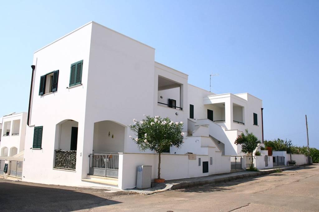 Appartamento in buone condizioni arredato in vendita Rif. 8231133