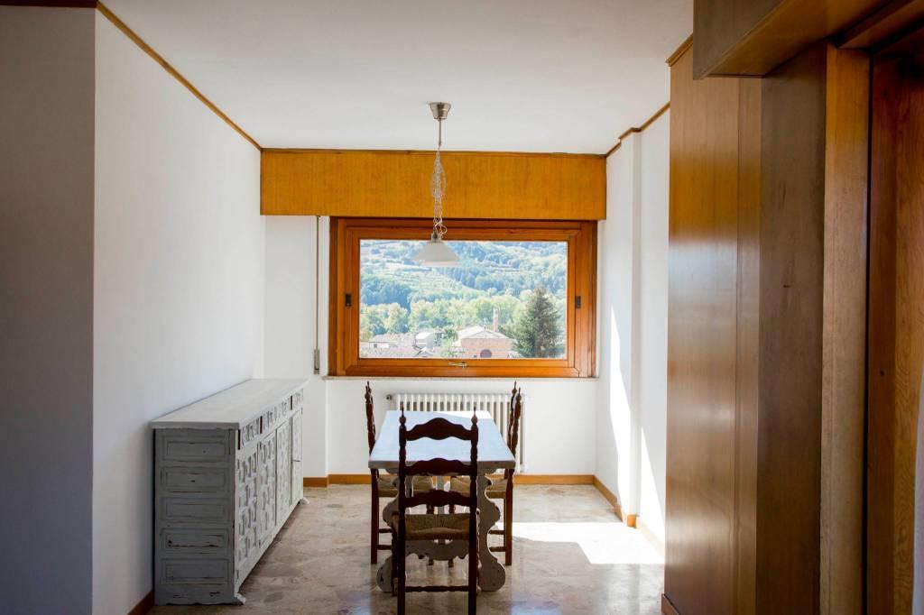 Appartamento in ottime condizioni arredato in affitto Rif. 8231036