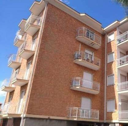 Appartamento in buone condizioni in vendita Rif. 7557922