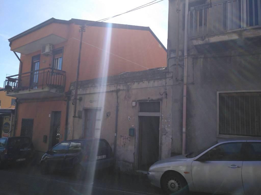 Casa indipendente di due vani Catania zona Fasano
