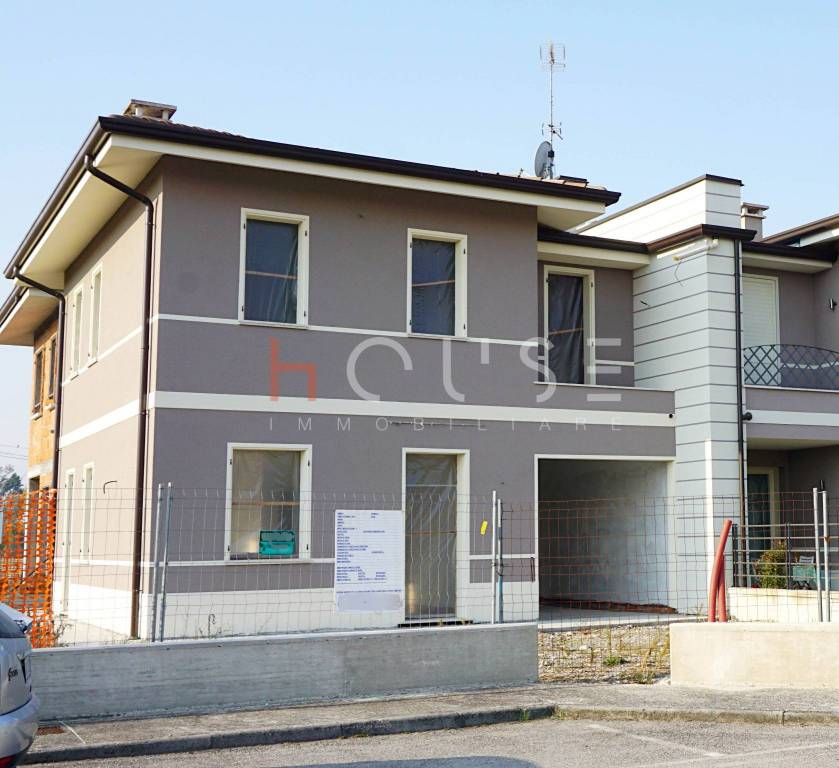 Villetta a schiera in vendita Rif. 8241831