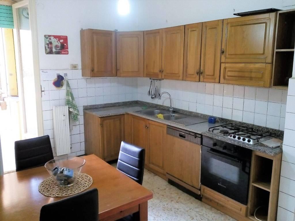 Appartamento in buone condizioni parzialmente arredato in vendita Rif. 8228272