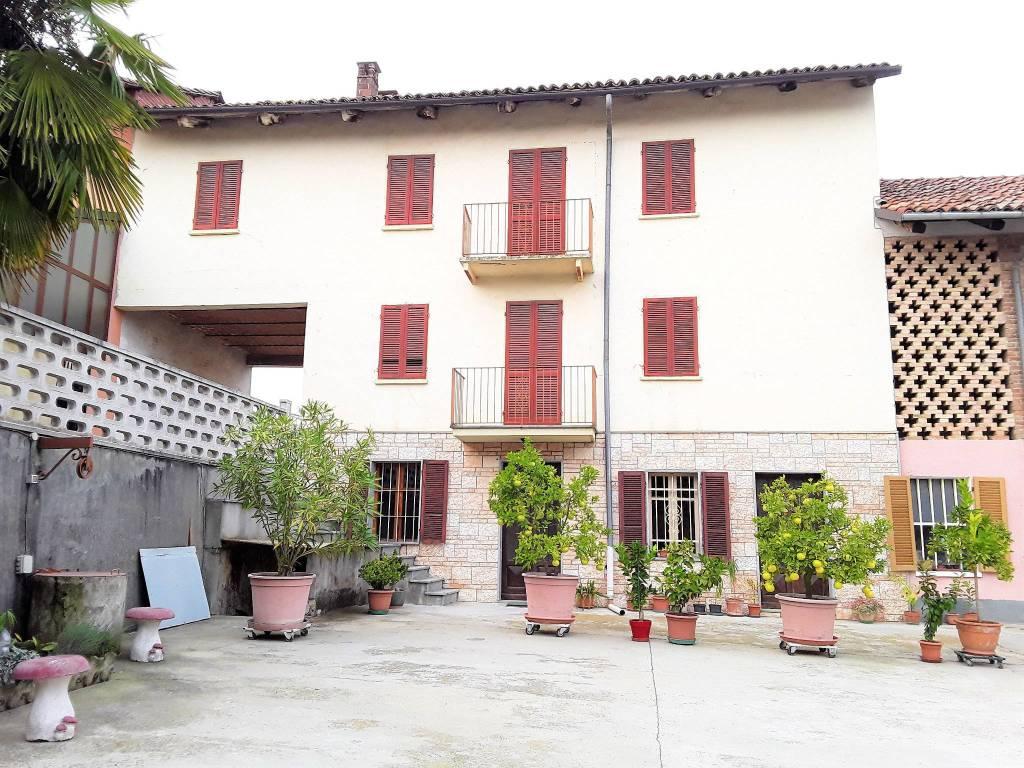 Rustico / Casale in vendita a Govone, 7 locali, prezzo € 49.000 | PortaleAgenzieImmobiliari.it