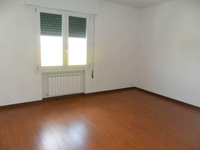 Appartamento in buone condizioni in affitto Rif. 6919884
