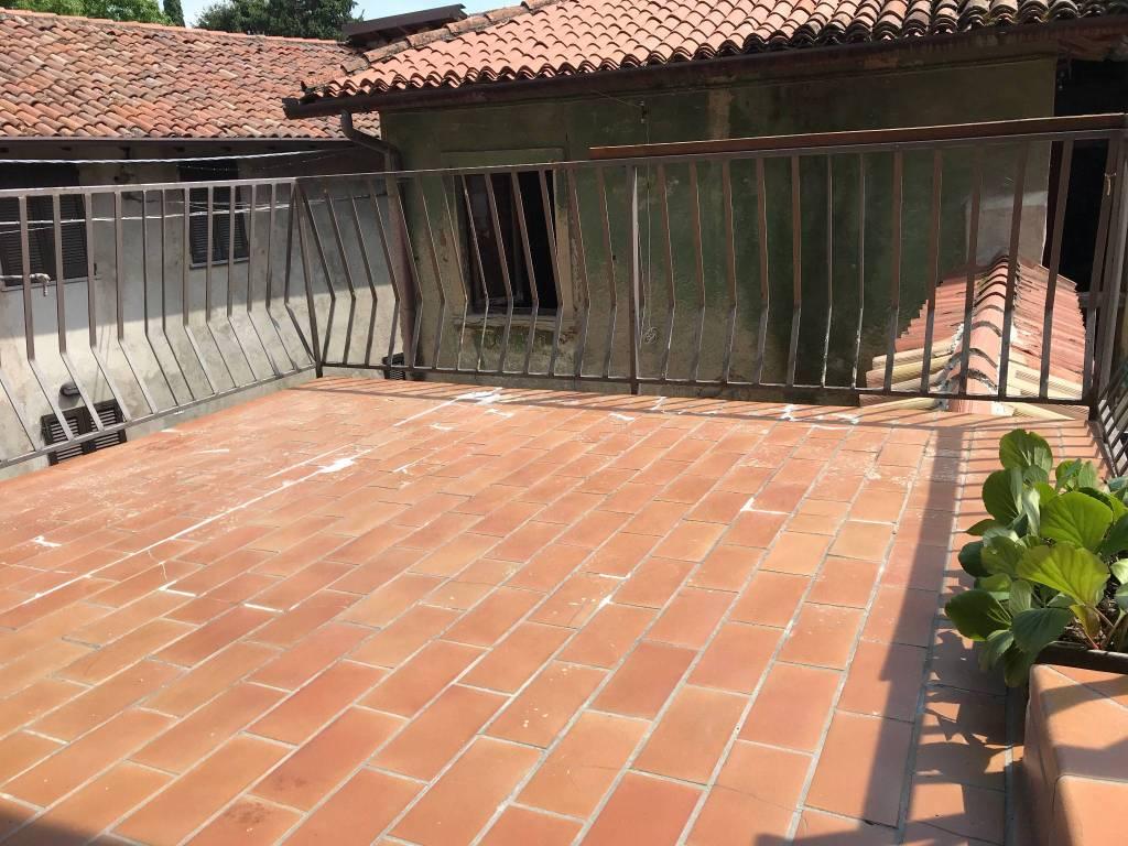Appartamento in buone condizioni in vendita Rif. 8231889