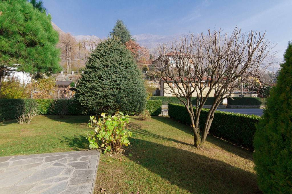 Appartamento in ottime condizioni arredato in vendita Rif. 9153913