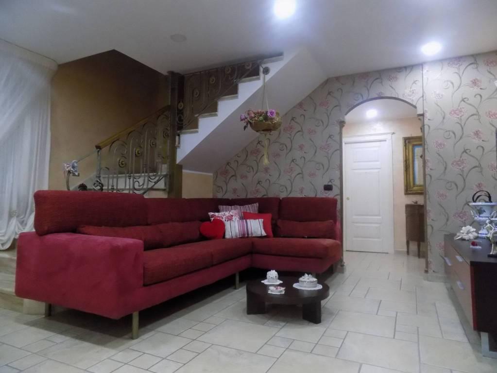 Appartamento in ottime condizioni in vendita Rif. 8289048