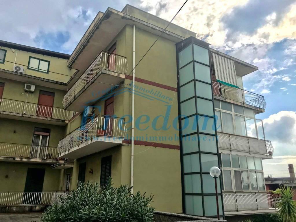 Appartamento in buone condizioni in affitto Rif. 8227001