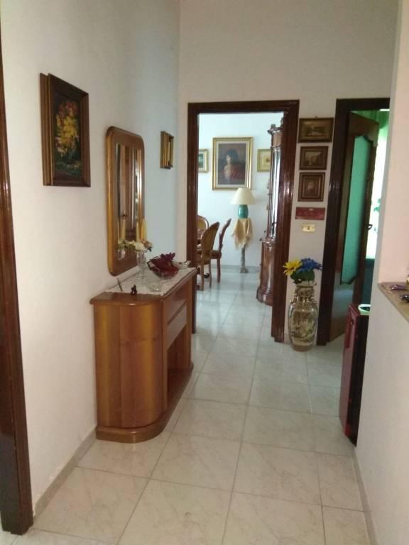 Appartamento in buone condizioni in vendita Rif. 7084108