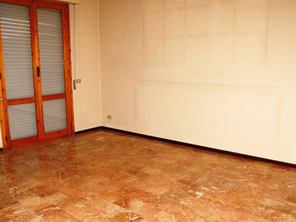 Appartamento in buone condizioni in vendita Rif. 8226968