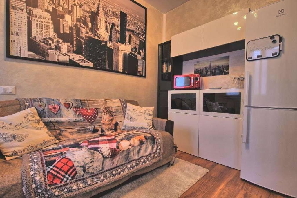 Appartamento in buone condizioni in affitto Rif. 8243403