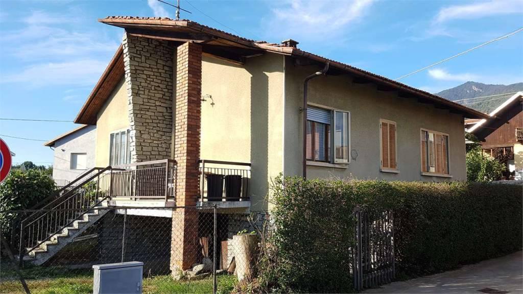 Villa da ristrutturare in vendita Rif. 8242426