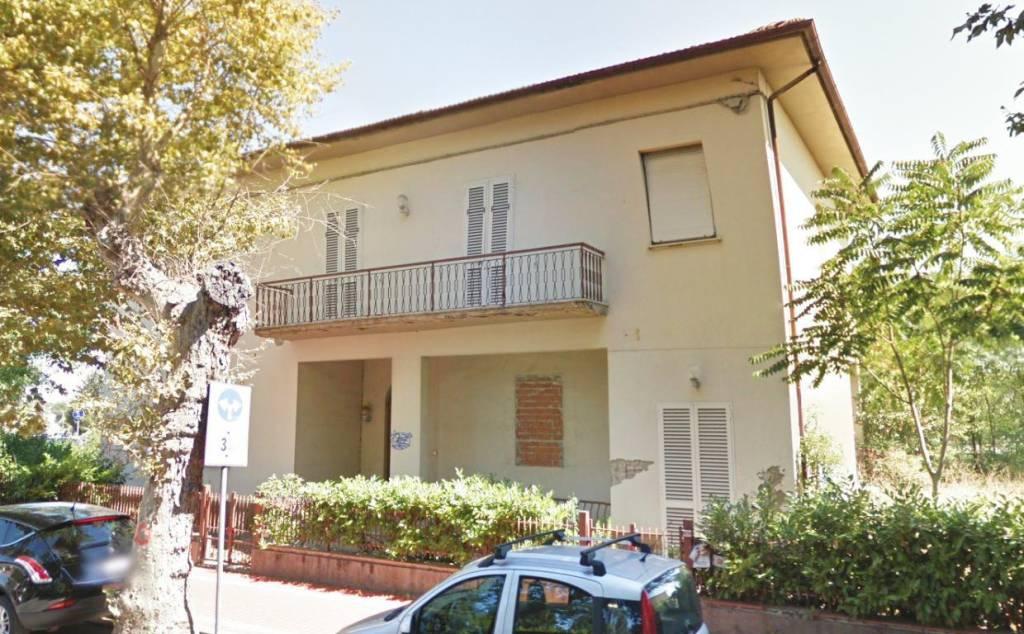 Appartamento in buone condizioni in vendita Rif. 8246901