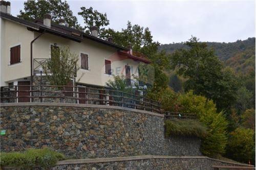 Appartamento con Giardino Villaggio Campasso Santo Stefano D