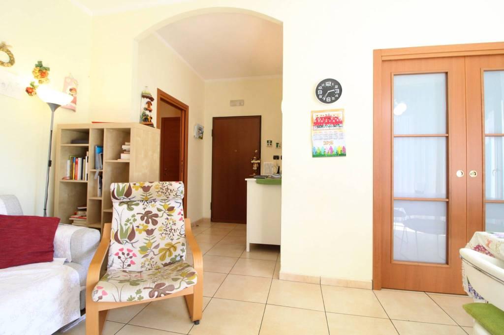 Appartamento in ottime condizioni in vendita Rif. 8246504