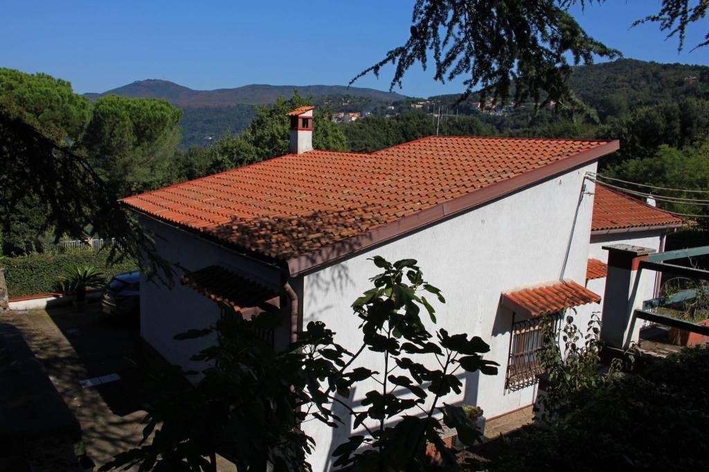 Villa in buone condizioni in vendita Rif. 7779646