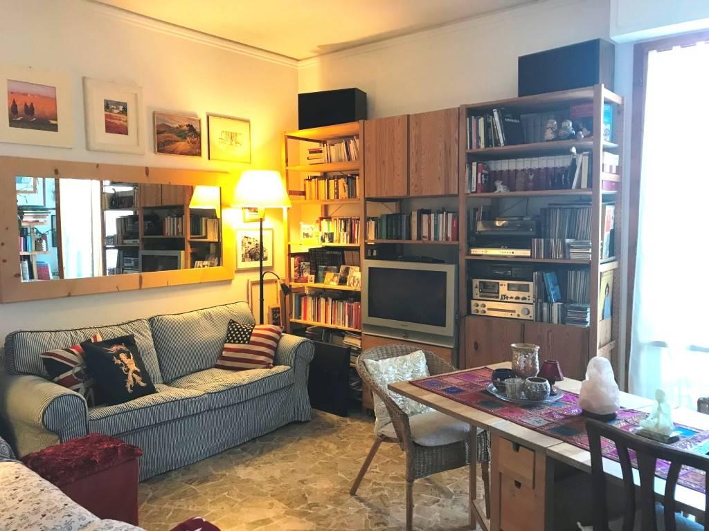 Appartamento in buone condizioni in vendita Rif. 8243865