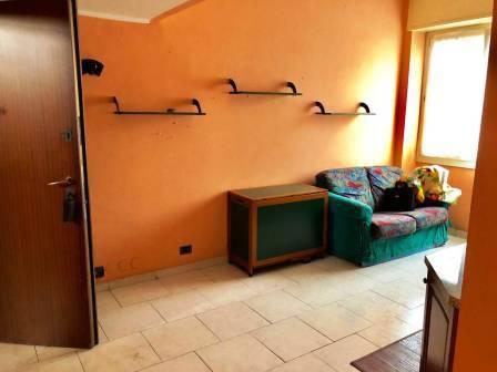 Appartamento in buone condizioni parzialmente arredato in vendita Rif. 8241016
