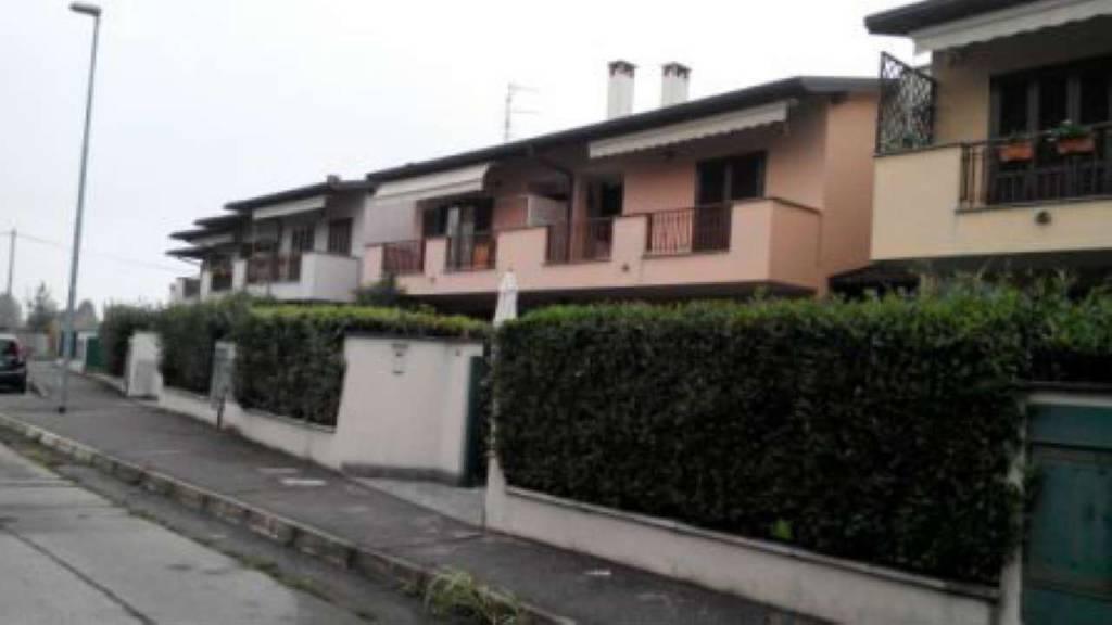 Appartamento in vendita a Gerenzano, 3 locali, prezzo € 180.000 | PortaleAgenzieImmobiliari.it