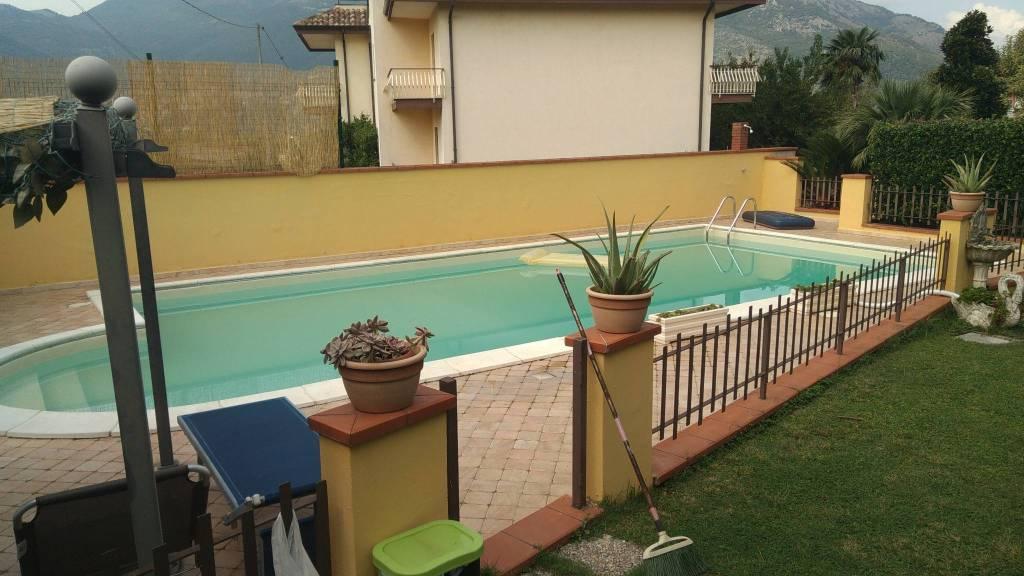Appartamento in ottime condizioni arredato in affitto Rif. 8246768