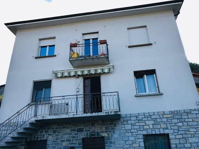 Appartamento in vendita a Oltrona di San Mamette, 3 locali, prezzo € 173.000 | CambioCasa.it