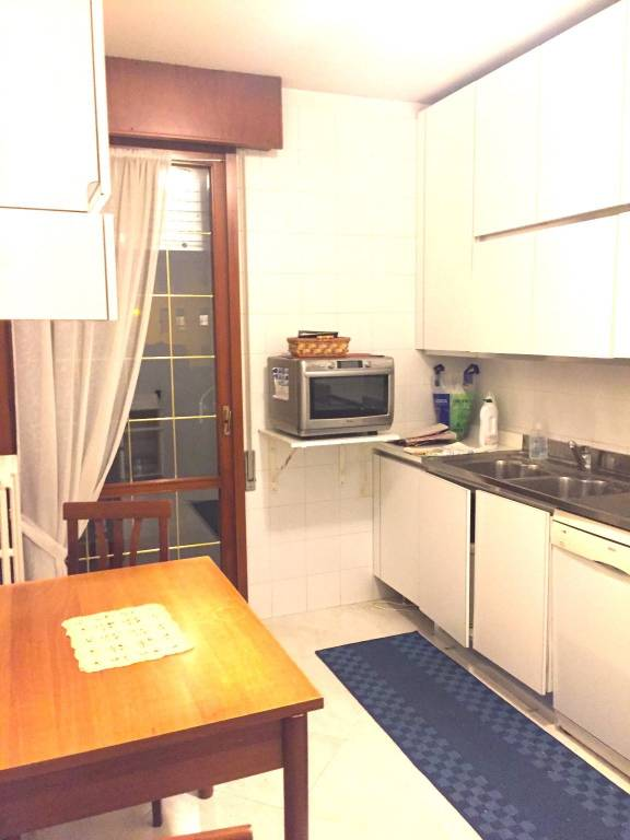 Appartamento in buone condizioni in vendita Rif. 8243297