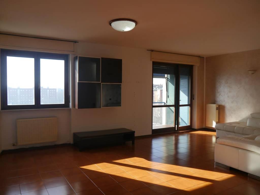 Nichelino pressi Coop, appartamento di 100 mq