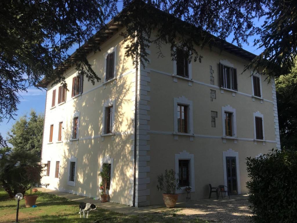 Villa in ottime condizioni parzialmente arredato in vendita Rif. 8243698