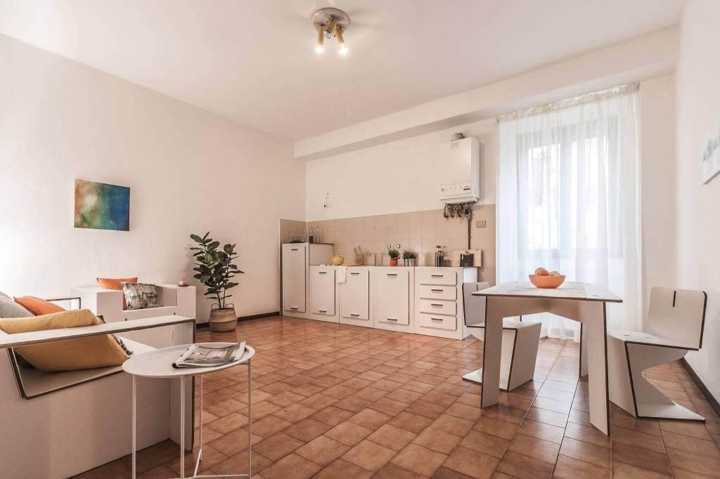 Appartamento in ottime condizioni in vendita Rif. 8245895