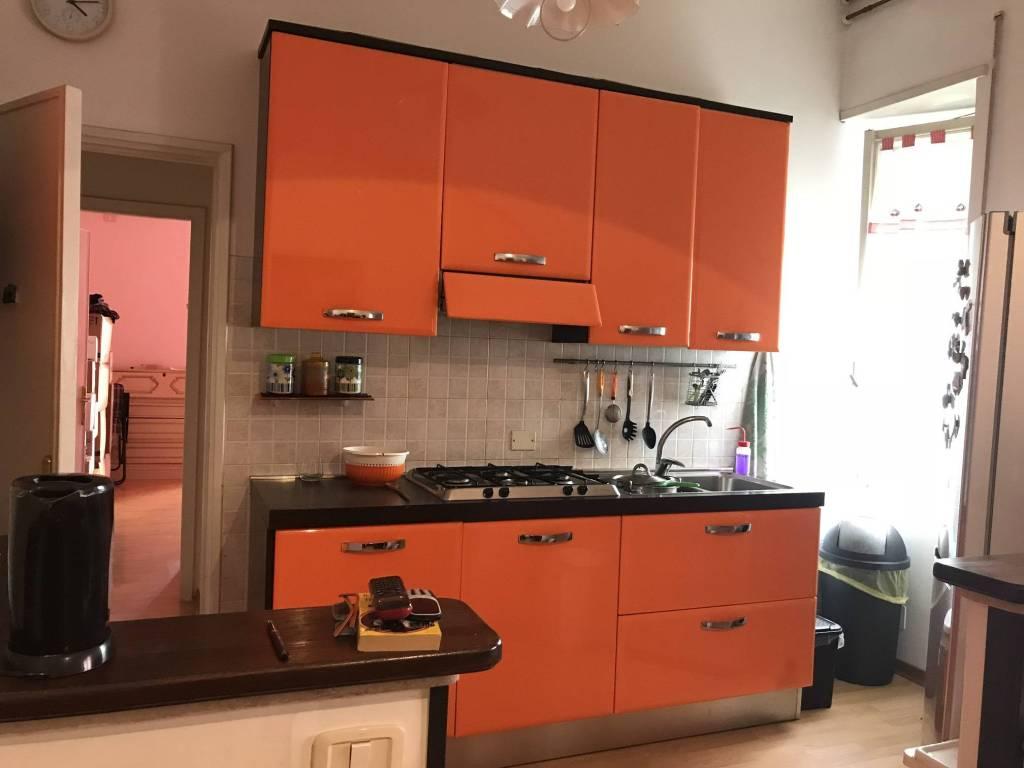 Appartamento in buone condizioni in affitto Rif. 8245045